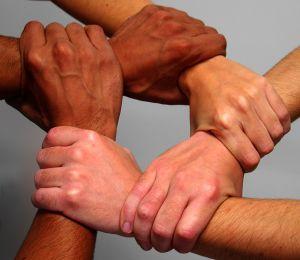 manos-union