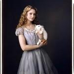 -Tim-Burton-s-Alice-In-Wonderland-alice-in-wonderland