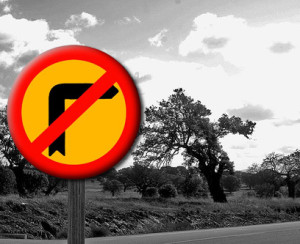 prohibido girar a la izquierda bn